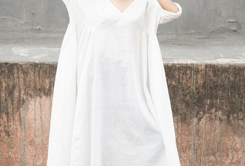 Milos V-neck Dress | white