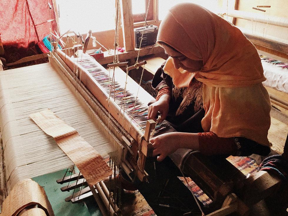 5. Kani weaving pashmina-010.JPG