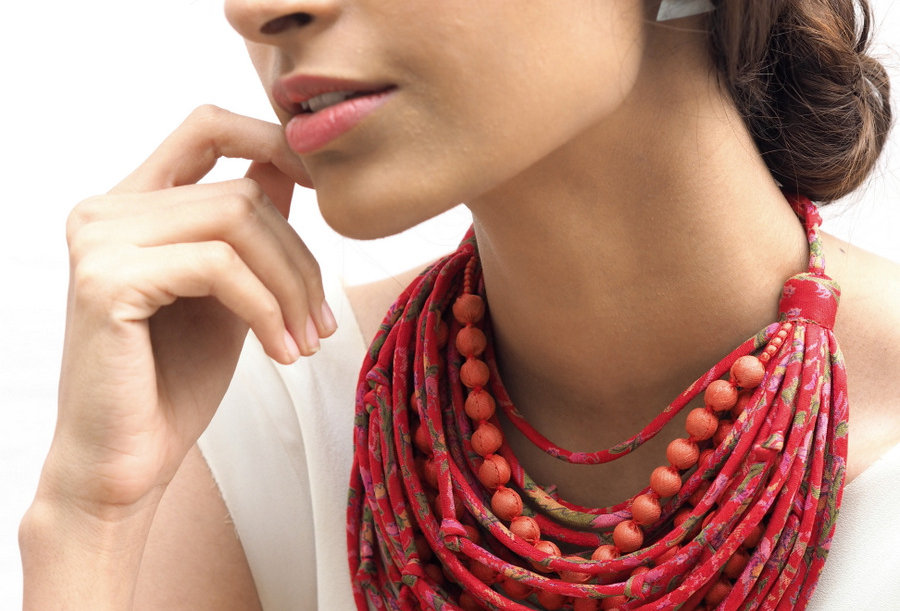 Sari String & Bead Necklace   chilly red