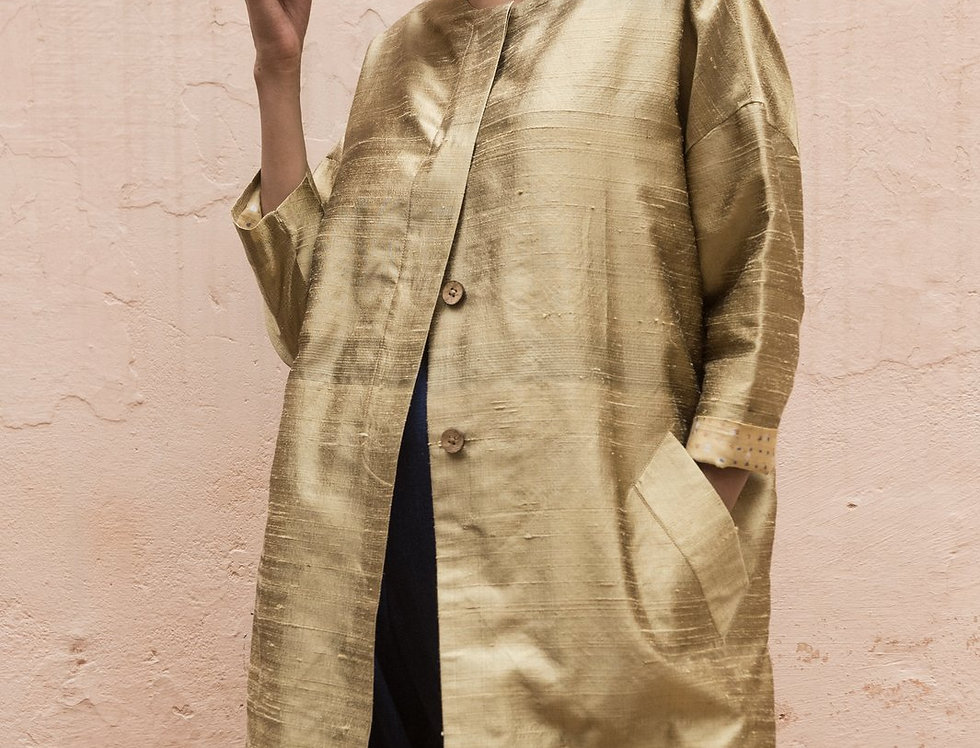 Raw Silk Cocoon Coat | white gold