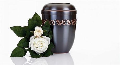 Кремация-урна-с-розой.jpg