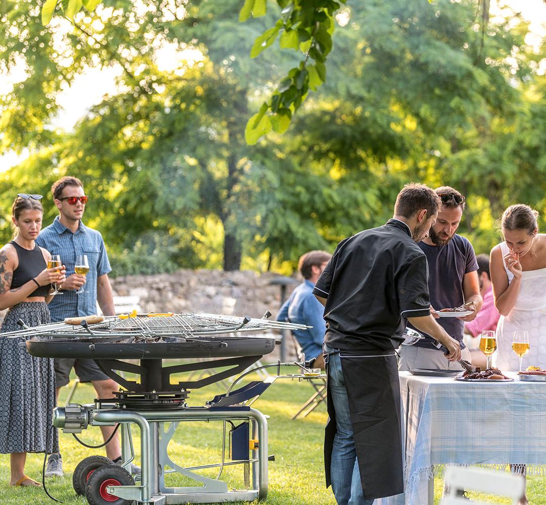 GiraBrace. Passion for barbecue