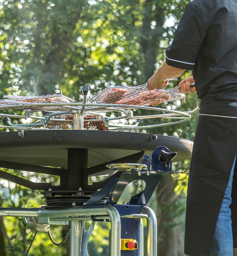 GiraBrace. BBQ cooking grilles