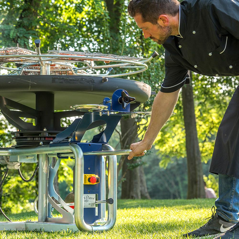 GiraBrace. BBQ easy transport
