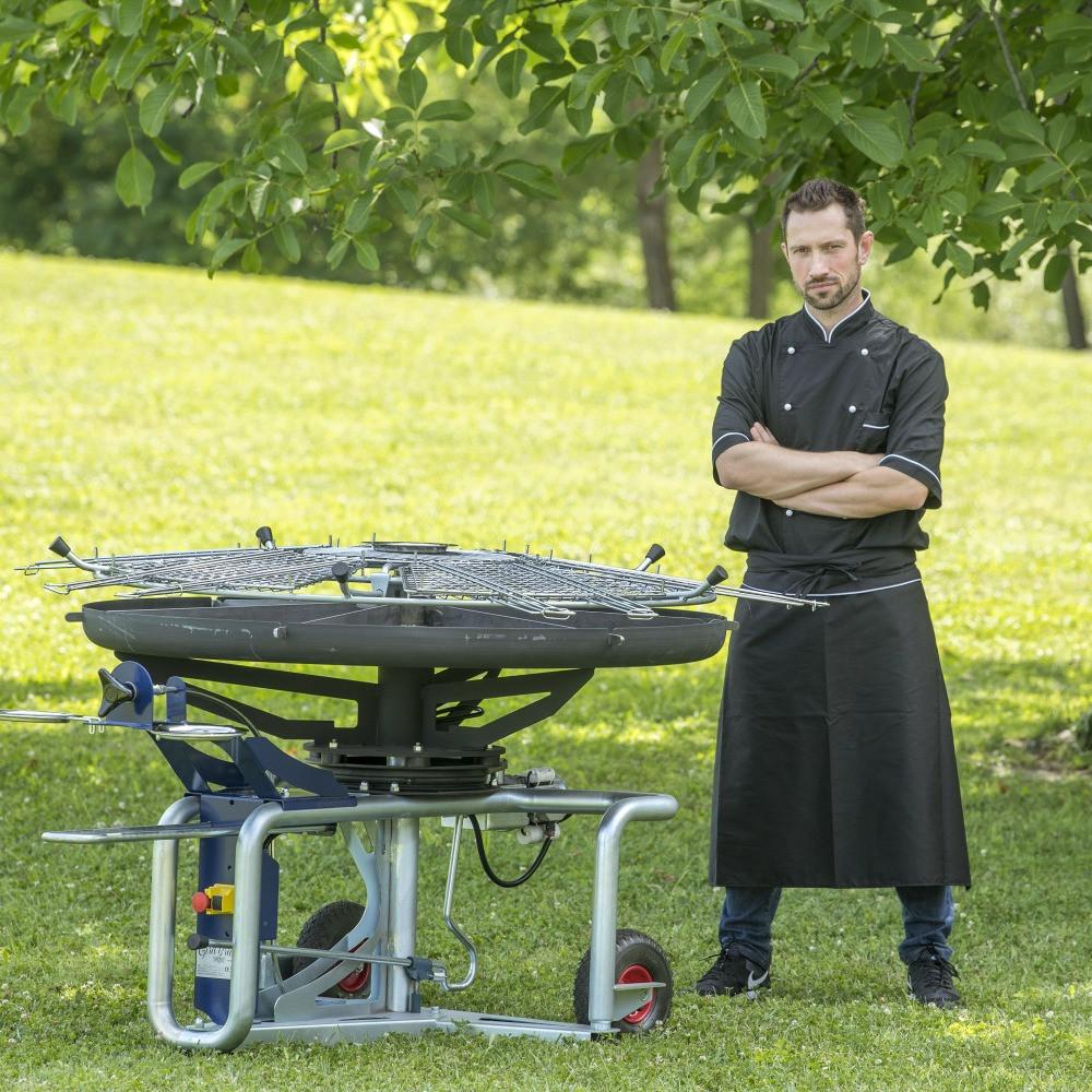 GiraBrace. Barbecue GB5 with chef