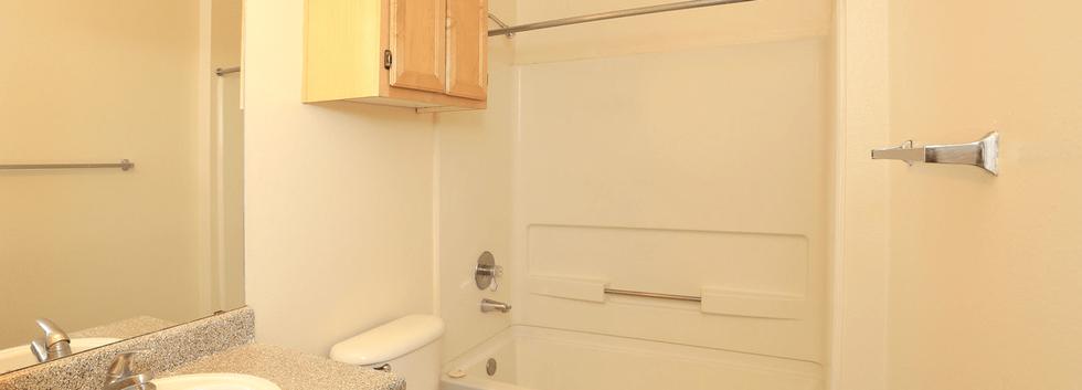 Studio bathroom.png