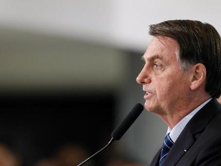 """Bolsonaro assina MP do """"Contribuinte Legal"""", que incentiva a regularização de dívidas com a União."""