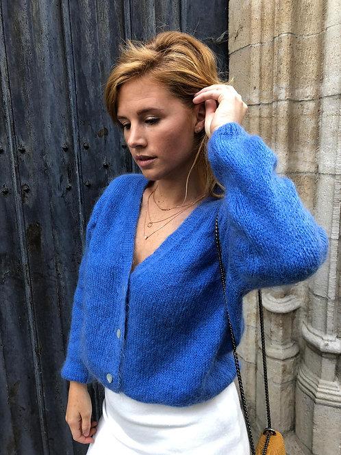 King blue knit