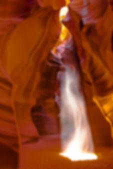 Antelope Canyon r-2220.jpg