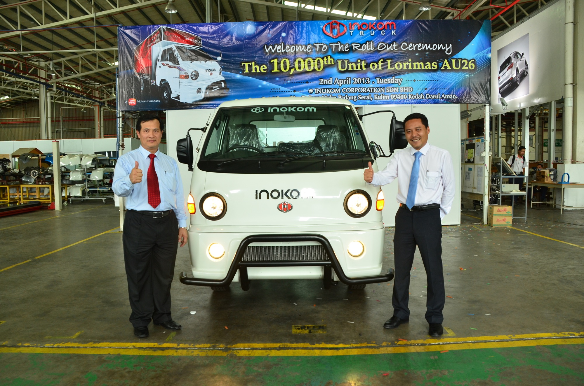 Head of Commercial Vehicle Operations HSDM, Ng Lian Bee and Managing Director, Mohd Rizal Jailan