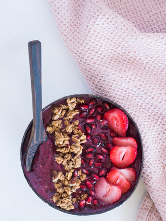 Wild Blueberry Yogurt Smoothie Bowl - Vegan