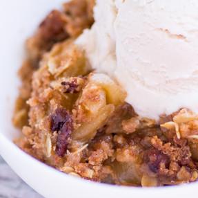 Warm Cinnamon Apple Crisp Recipe - Vegan