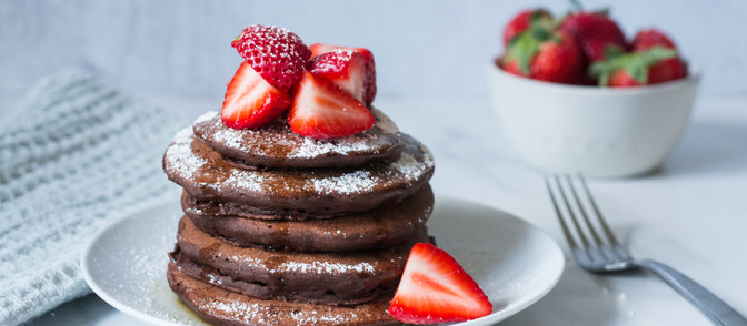 5-Ingredient Whole Wheat Cacao Pancakes - Vegan