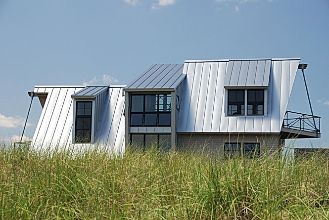 A beautiful exterior of a Newburyport seaview from Andrew Sidford Architects