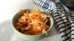 APPLE & CARROT SLAW ~ healthy, beautiful and easy.