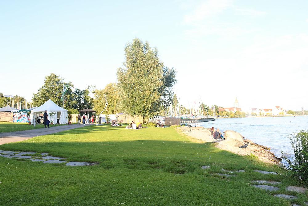 Kultur am Ufer direkt am Bodensee in Friedrichshafen.