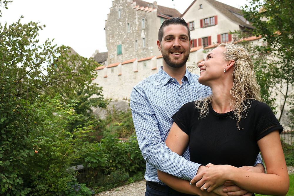 Verlobungsfotos am Schloss Laufen am Rheinfall.