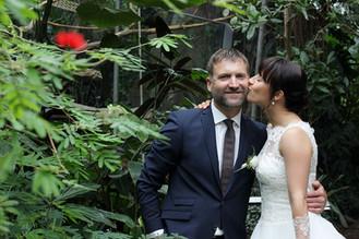 Brautpaar beim Paarshooting in der Stuttgarter Wilhelma