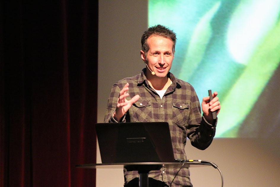 Willi Weitzel beim Horizonta Festival 2020 in der Stadthalle Reutlingen Foto von Ohana Photography
