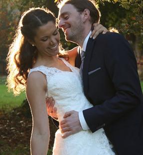 Braut und Bräutigam im Park in Hemmingen