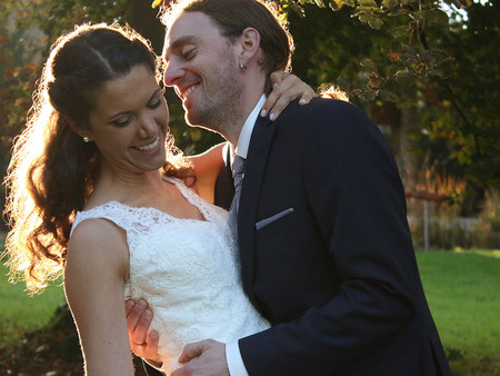Tine und Andi - romantisches Hochzeitsshooting unterm Herbstlaub
