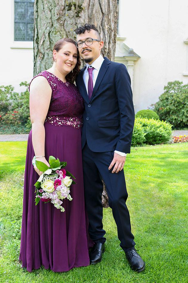 Ohana Photography Hochzeitsshooting mit Maria und Kevin in Deißlingen in einem kleinen Park.