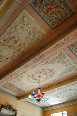 歴史を感じる天井