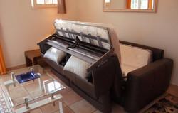 リビングのベッドソファー
