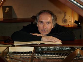 南仏のプロピアニスト:リシャール・デルリューさんの演奏で心を癒し、クラシック音楽の世界に浸るニースでのロングステイ