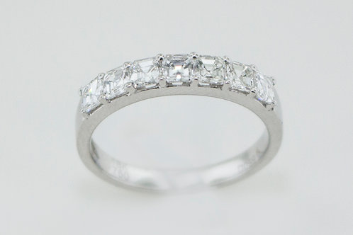 Ladies' diamond wedding band