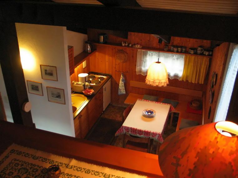 Küche und Sitzecke v. Galerie aus