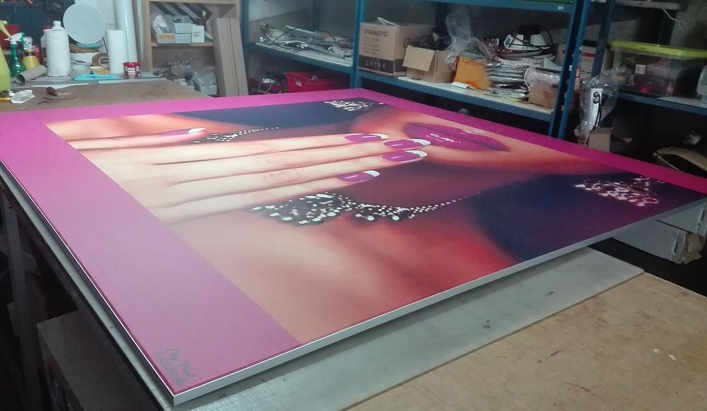 préparation atelier du cadre en toile tendue