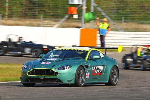 Aston Martin Renntaxi