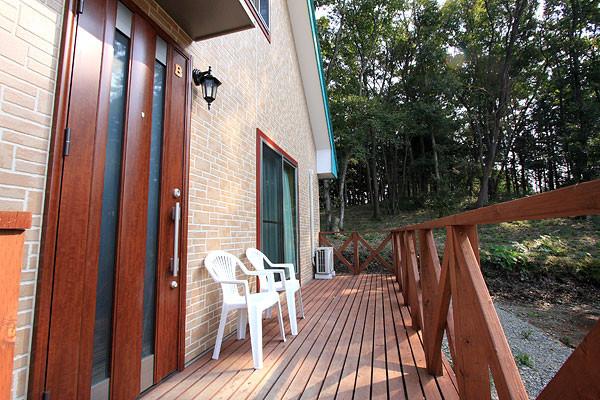 cottage001.jpg