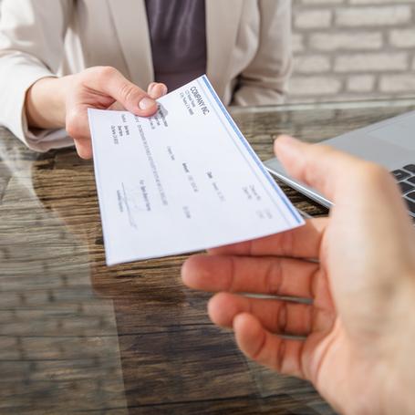 Commerçants et artisans du 92, plus de visibilité sur internet grâce au chèque numérique.