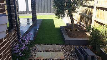 Artificial Grass Dry Block Walls