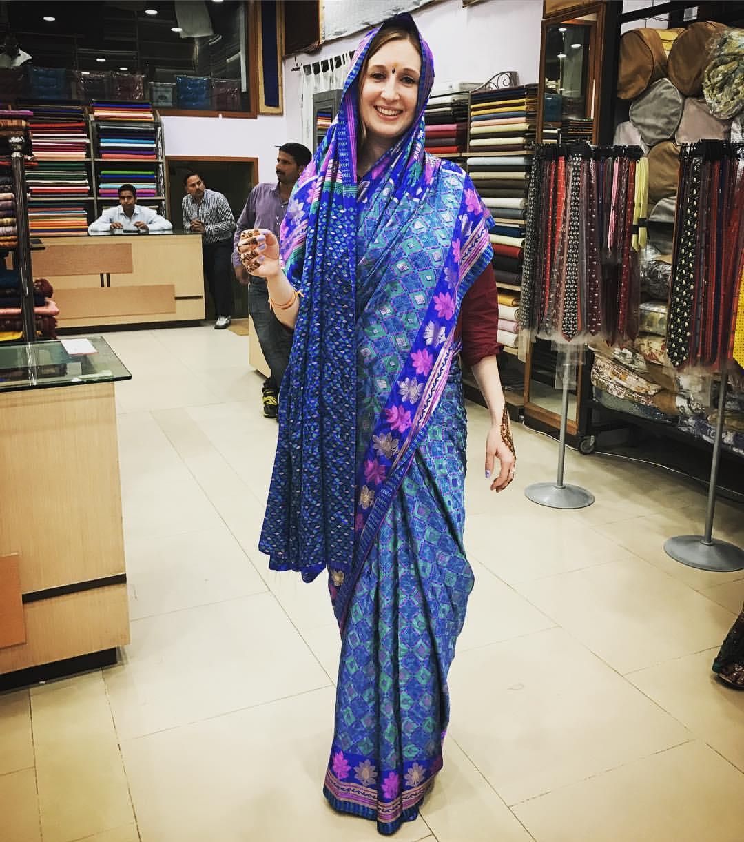 Sari tying, Jaipur Emporium