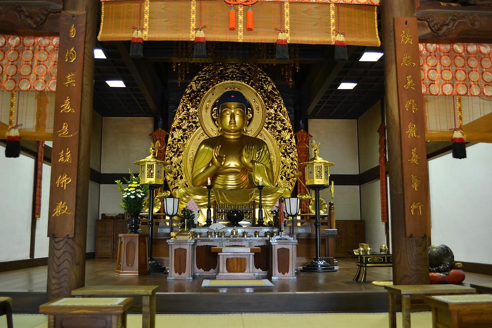 中尊寺の内部