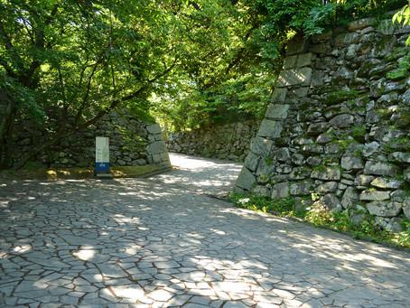 石垣だけが残る広大な敷地「福岡城跡」@福岡