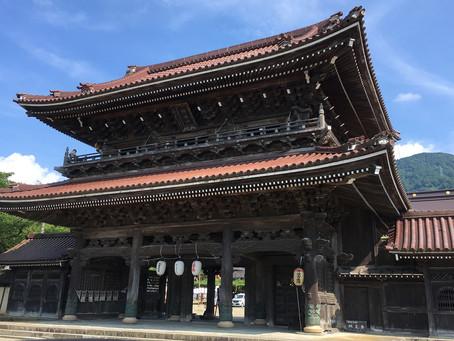 彫刻の町・井波にある端泉寺@富山