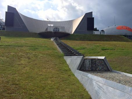 宇宙船のような建築「能登島ガラス美術館」@石川