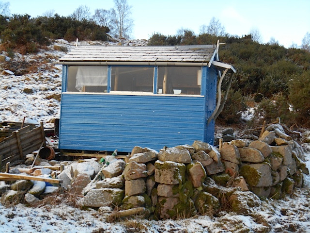 003_interesting shed on route.jpg