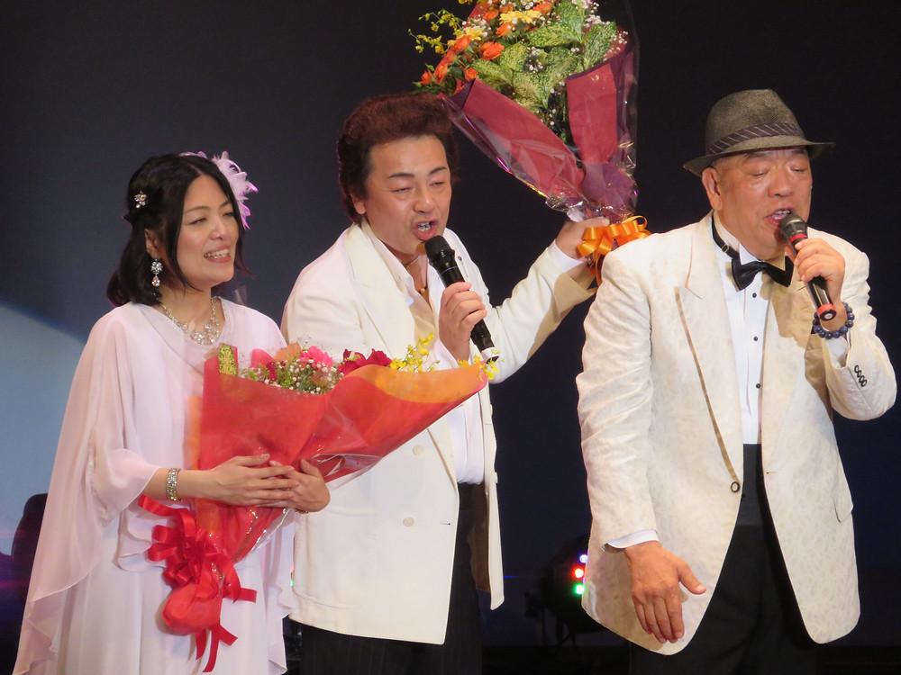 日高正人さんと特別ゲストの橘あきらさんです。