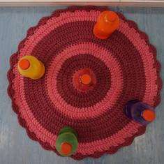 Aquarela Espaço Infantil: tapete e brinquedos não estruturados