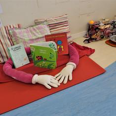 Aquarela Espaço Infantil: cantinho de leitura