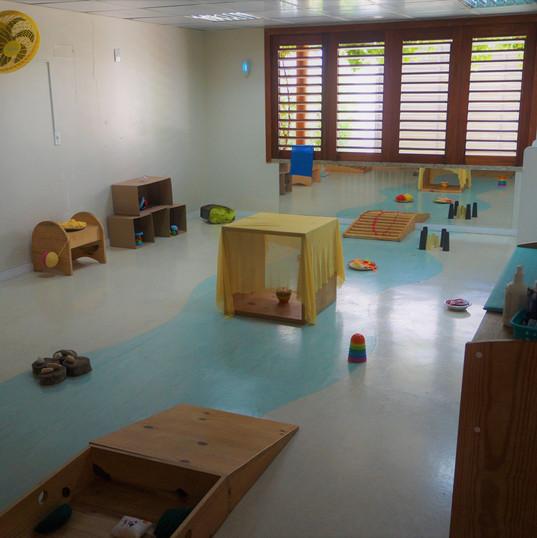 Aquarela Espaço Infantil: sala berçario