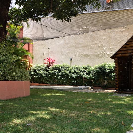 Aquarela Espaço Infantil: casinha no quintal