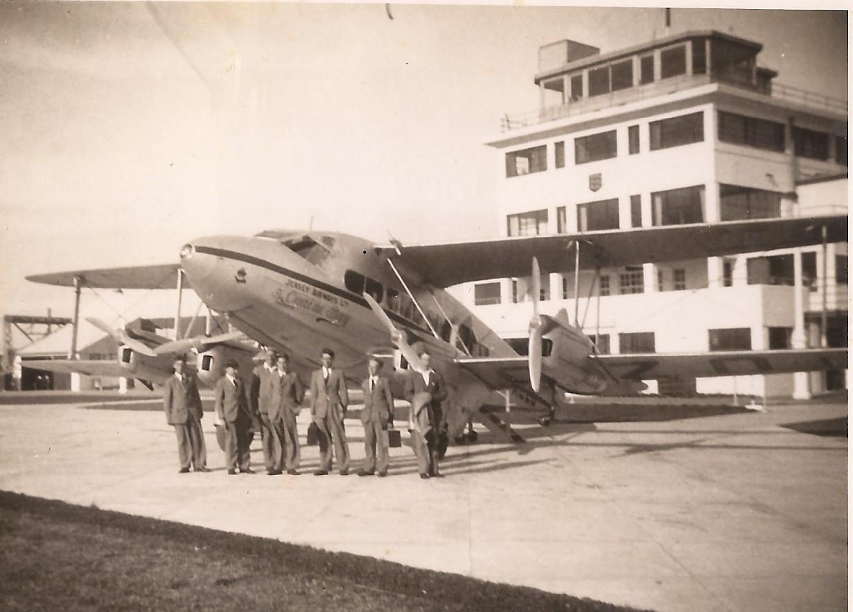Malcolm Cabeldu coming home 1945  (Family photo)