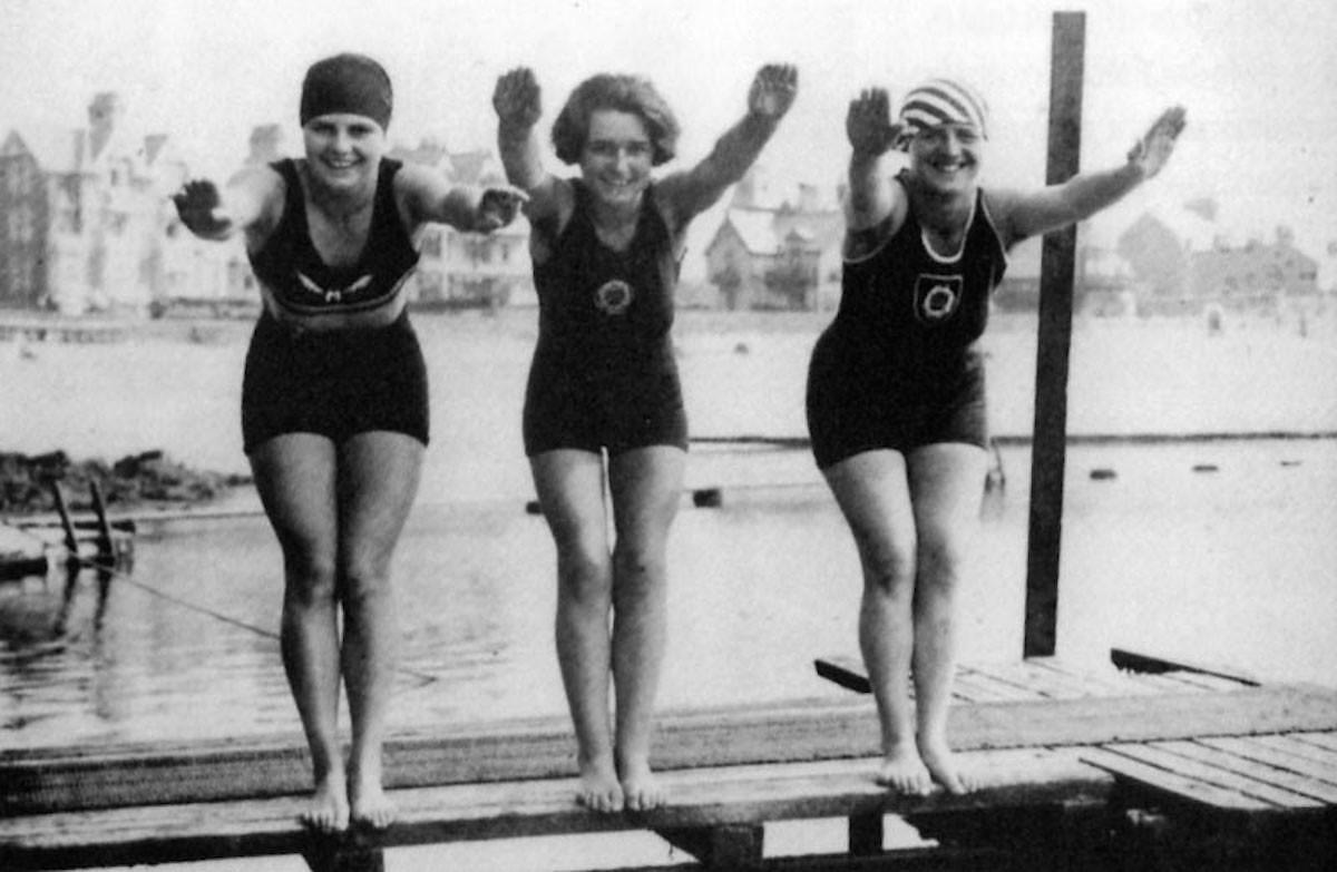 Girls at Bathing Pool, 1930's.  Courtesy of The Island Wiki https://www.theislandwiki.org