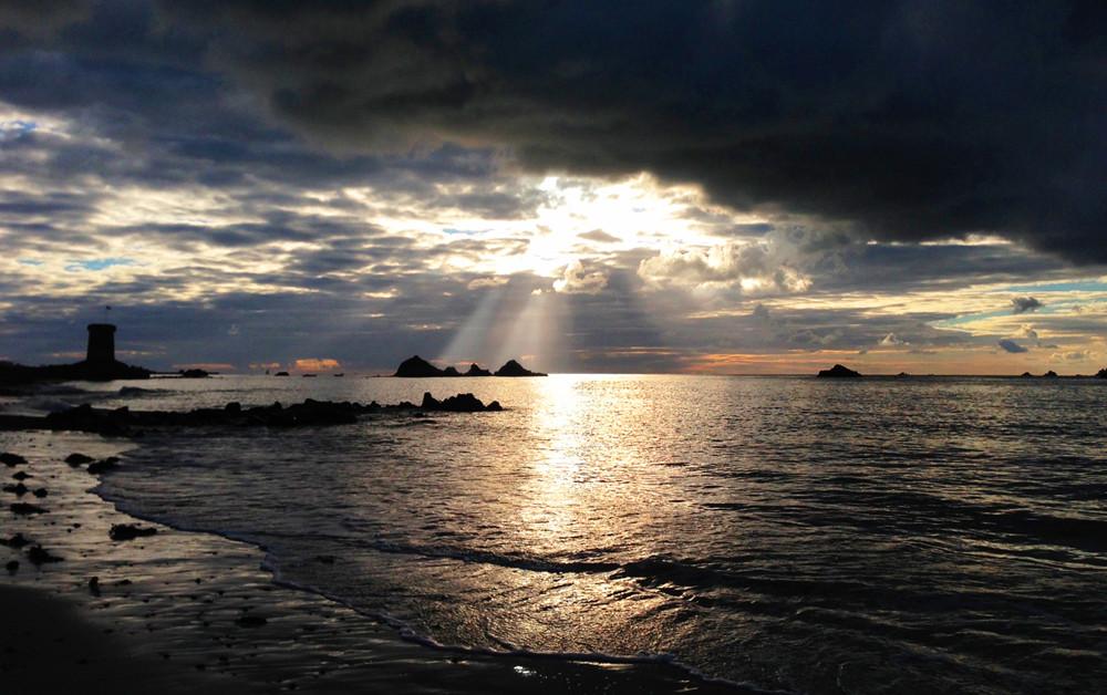 Le Hocq Sunrise - Elaine Cabeldu
